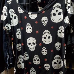 No Boundries skull soft womans short sleeve black